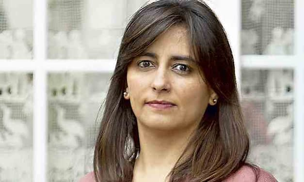 Claudia Sanhueza: Obligar a cotizar a los trabajadores a honorarios favorece al sistema financiero