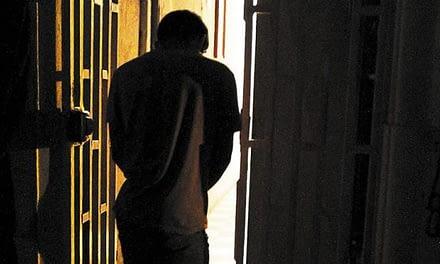 Estudio revela deficiencias en políticas sobre conducta delictiva en adolescentes