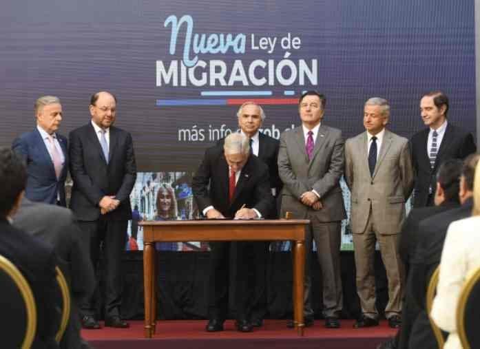 """""""Visas consulares"""": Piñera apuesta por restringir la migración"""