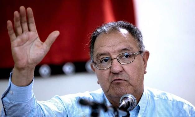 """Francisco Huenchumilla: """"El Gobierno debe tomar una decisión sobre entrar o no a los temas de fondo en La Araucanía"""""""