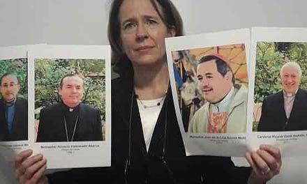 """Anne Barrett-Doyle sobre obispo Barros: """"Debería salir, pero no tenemos esperanza de que eso ocurra"""""""
