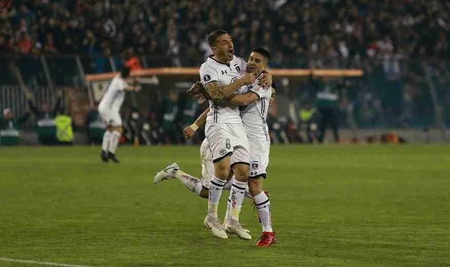 Colo Colo festeja primero y sueña con avanzar en la Libertadores