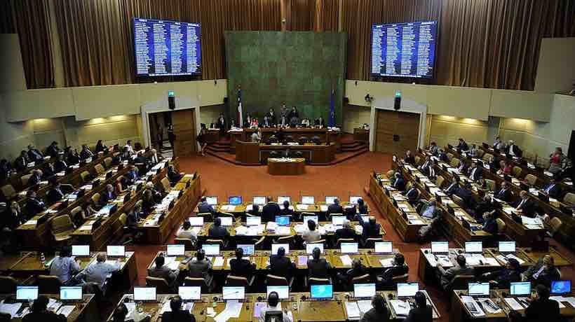 """Gabriel Boric y unanimidad por rebaja de dieta parlamentaria: """"Es posible correr barreras"""""""