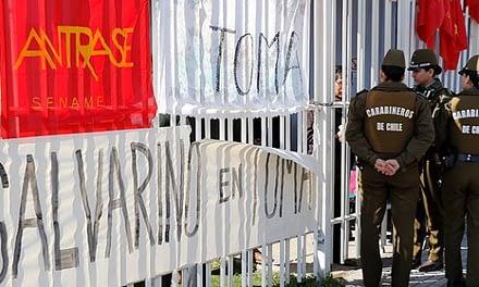Trabajadores del Sename advierten movilizaciones en otros centros del país