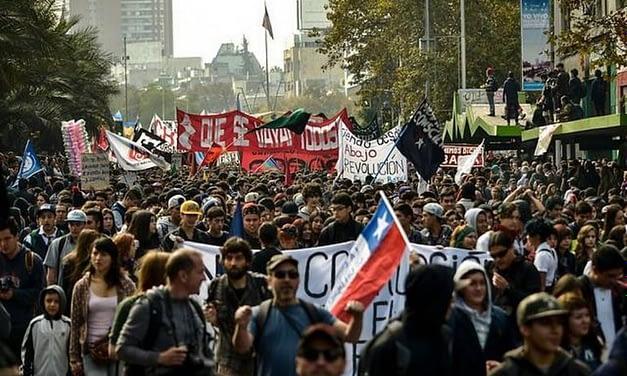 Masivas marchas se despliegan en distintas ciudades del país