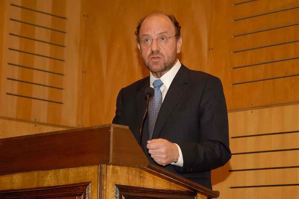 Otro ministro a cuarentena: Alfredo Moreno inicia medida preventiva este viernes