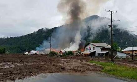 Aluvión en Villa Santa Lucía: dos muertos y ocho desaparecidos