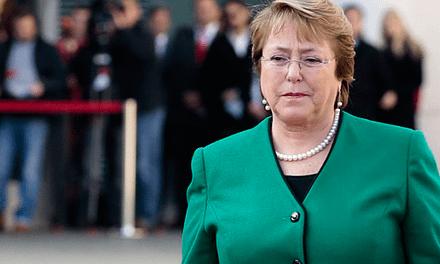 Estudio revela que Michelle Bachelet solo ha cumplido el 48% de sus promesas de campaña