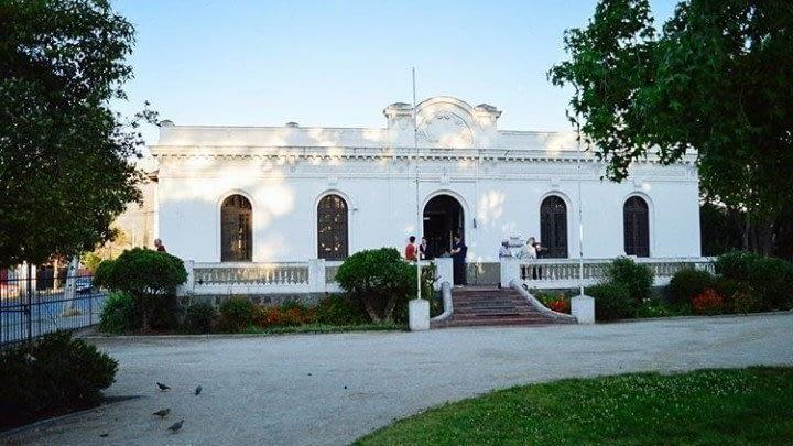 Vecinos de La Florida denuncian falta de transparencia en proyecto que moderniza Biblioteca Municipal