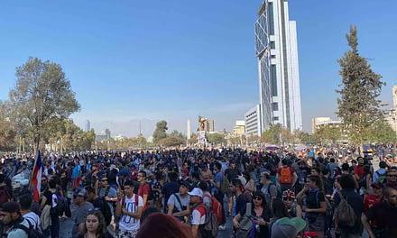 Pañuelazo feminista y manifestaciones estudiantiles: llegó el primer viernes de marzo
