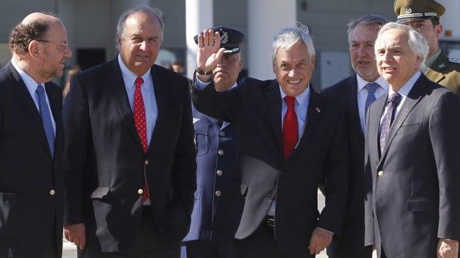 """Piñera por Carabineros: """"Mientras actúen en el Estado de derecho, siempre reconoceremos su labor"""""""