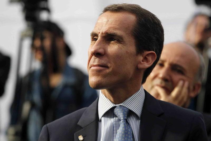 Municipalidad de Santiago confirma expulsión de 6 alumnos del Liceo de Aplicación