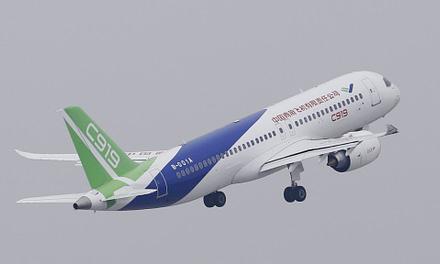 Despegó con éxito el primer avión de línea chino