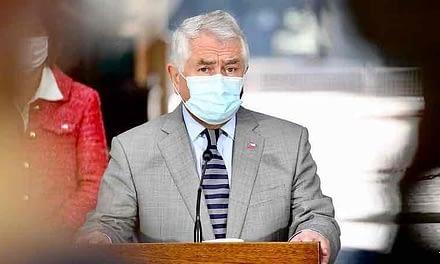 """Ministro Paris: """"Todas las medidas que ha tomado Chile son incompatibles con la inmunidad de rebaño"""""""