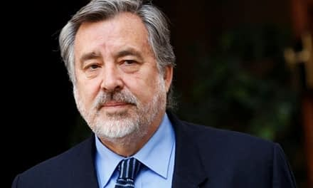 Luego de meses de incertidumbre, PS escoge a Alejandro Guillier como candidato presidencial