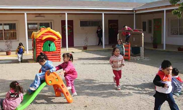 """""""Contraviene con los principios pedagógicos"""": Trabajadores de la Junji critican eventual regreso a clases"""