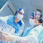 Equipo médico italiano llega a Chile a compartir su experiencia en tratamiento del COVID-19
