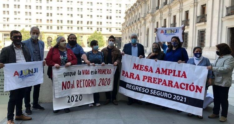 """""""Se requiere una política de Estado"""": parlamentarios y organizaciones piden mesa de trabajo para el regreso a clases"""