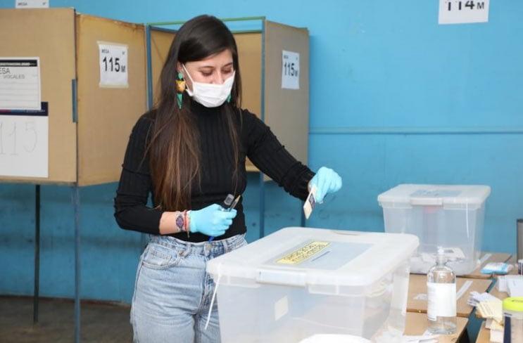 Plebiscito Constitucional en Chile: comenzaron a cerrar los colegios electorales