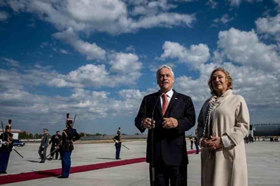 El presidente Sebastián Piñera inicia gira europea en Francia