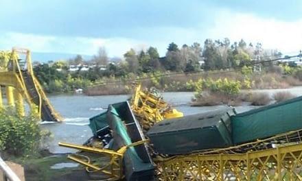 Alcalde de Pitrufquén denuncia a EFE por incumplimientos y contaminación en río Toltén