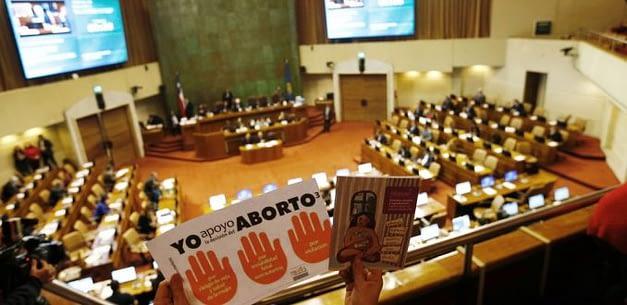 Congreso despacha ley de aborto y discusión se traslada al TC