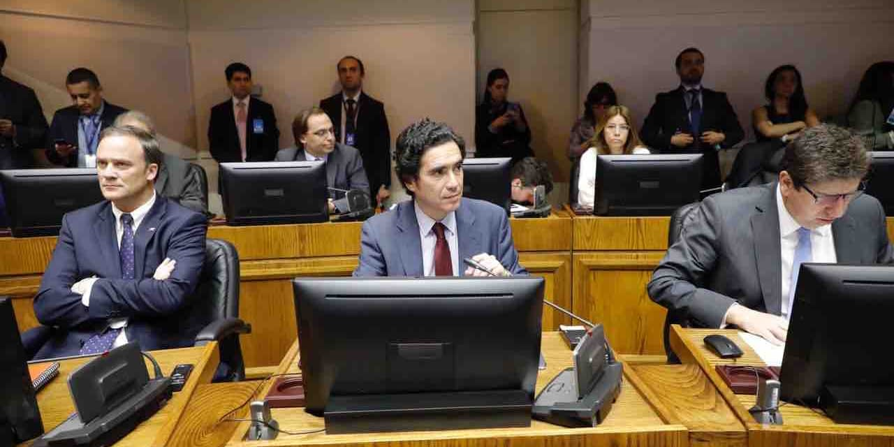 "Ministro Briones celebra fallo del TC por retiro de fondos de pensiones: ""Me parece positivo"""