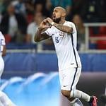Chile derrota a Camerún en el debut en la Copa Confederaciones