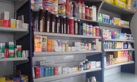 Sernac denuncia a Cruz Verde, Farmacias Ahumada y Salcobrand por no cumplir con la Ley del Consumidor