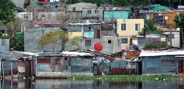 Bajo crecimiento, inflación y deterioro del trabajo, las razones del alza de la pobreza en Latinoamérica