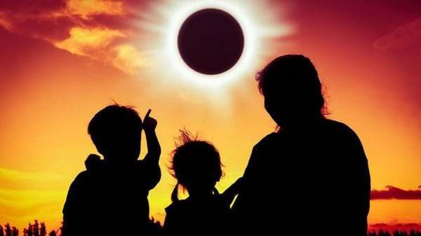 Por qué el eclipse del 21 de agosto nos hará bajar de peso y cuánto perderemos