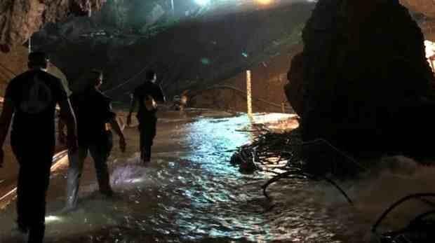 Tailandia: todos los niños y entrenador son rescatados de la cueva