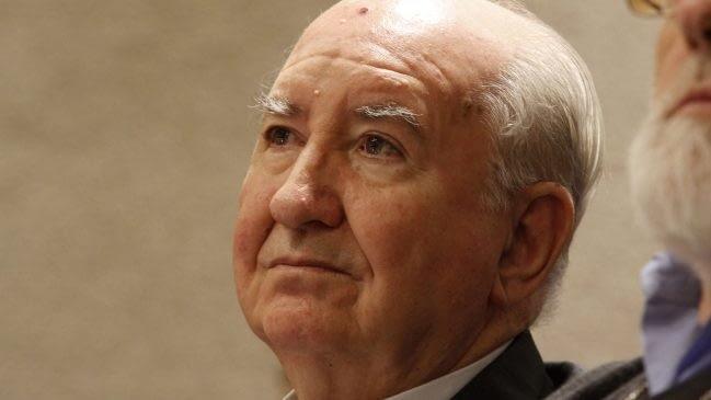 Seis horas de declaración: Cardenal Errázuriz comparece ante Fiscalía como imputado
