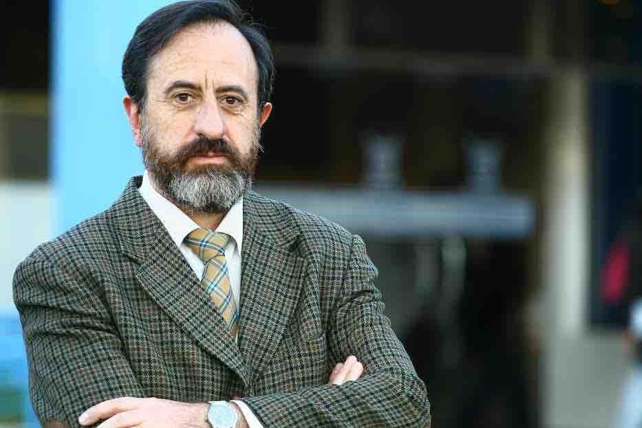 Crecen críticas al director del INE y Gobierno evita respaldarlo